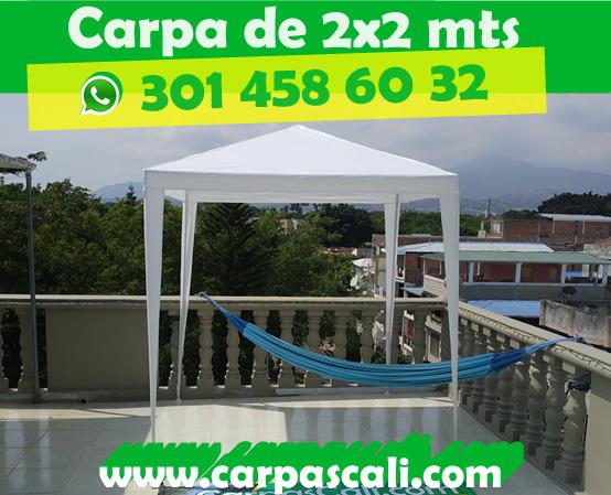 Vista frontal de carpa 2x2x2.5 metros con cubierta de polietileno